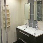 Rénovation d'une salle de bain dans une longère à plancher bois